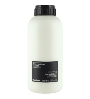 Davines OI Plaukus gražinantis kondicionierius pH 3.5, 1 l | inbeauty.lt