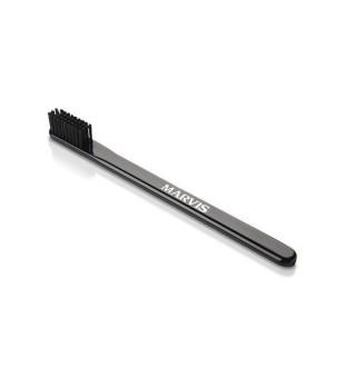 Marvis Black Medium Toothbrush Dantų šepetėlis (vidutinio kietumo) 1vnt. | inbeauty.lt